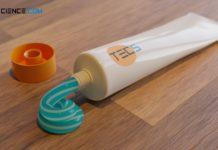 Zahnpasta als typisches Beispiel eines nicht-newtonschen Fluids (Bingham Fluid)